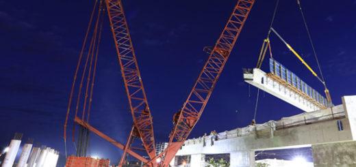 Universal-Cranes-Manitowoc-16000-1