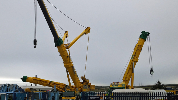 312162-630ft-crane-which-collapsed-in-aberdeenshire-six-months-ago-has-been-recovered-a-team-of-40-enginee