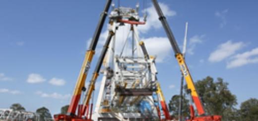 gI_63217_mobile crane 4 crane lift
