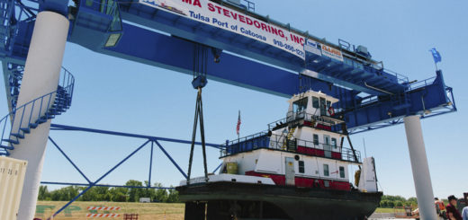 Whiting Services refurbished the 200 ton crane at Tulsa Port of Catoosa