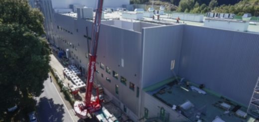 GMK5250L's lifting power at long radii has solved a HVAC challenge for Dornseiff