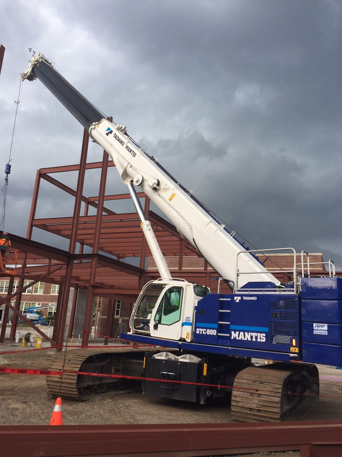 Telescopic Crane Tadano : Featured crane tadano mantis gtc telescopic boom