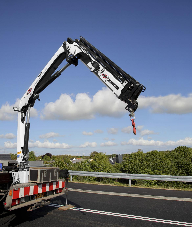 imt articulating crane