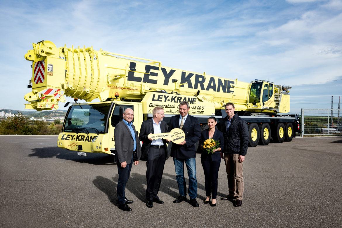 liebherr eight-axle crane
