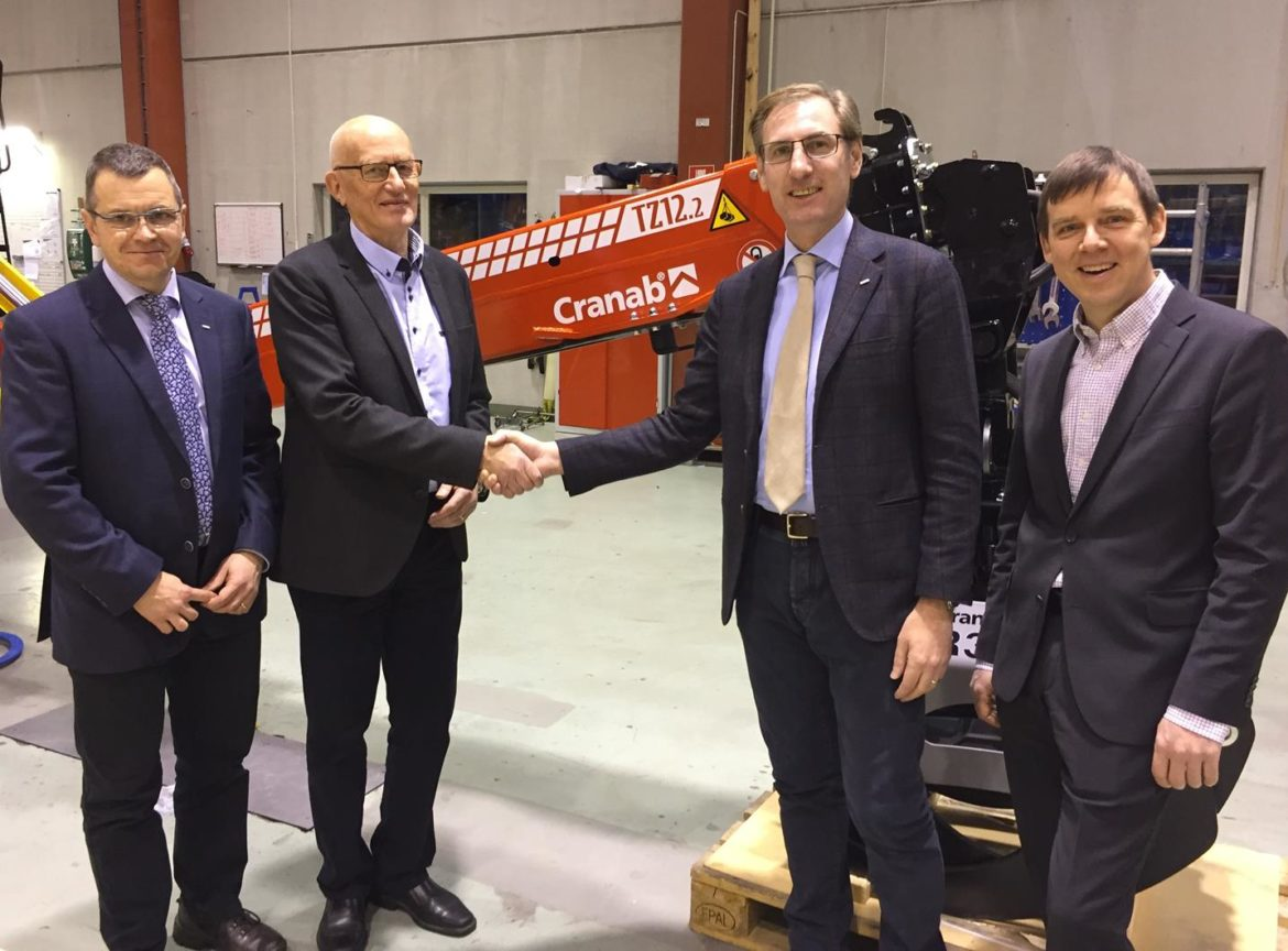 Italian crane manufacturer Fassi has acquired the remainder of of Cranab.