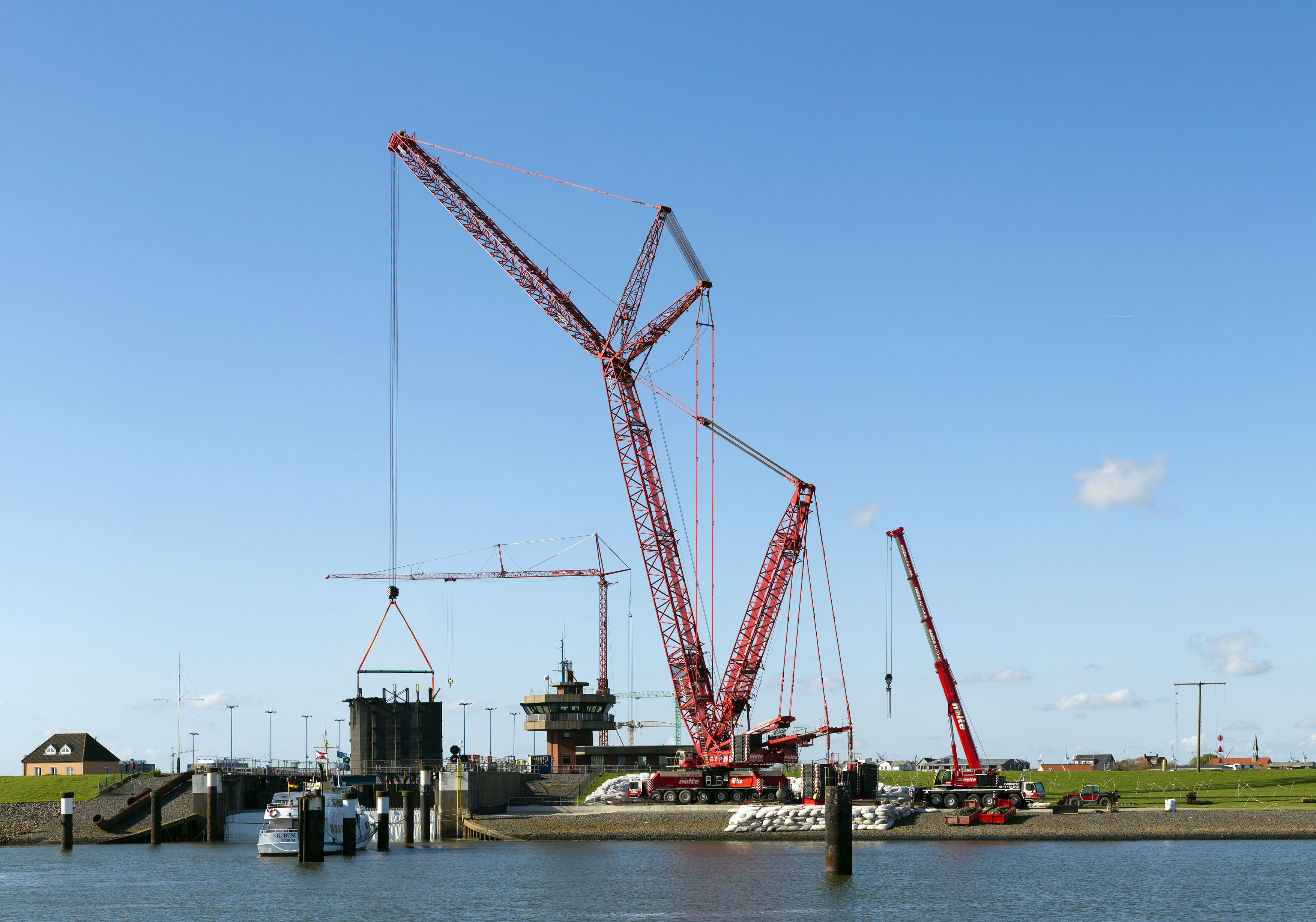 Liebherr lattice boom mobile crane hoists giant lock gates