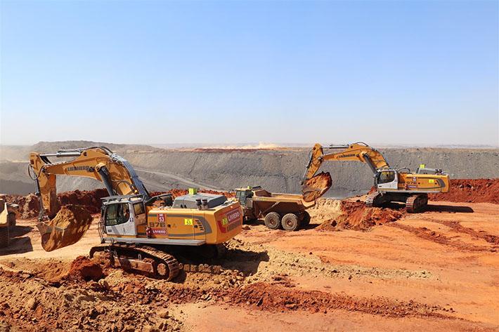 Liebherr R 976 crawler excavators in South Africa ⋆ Crane Network News